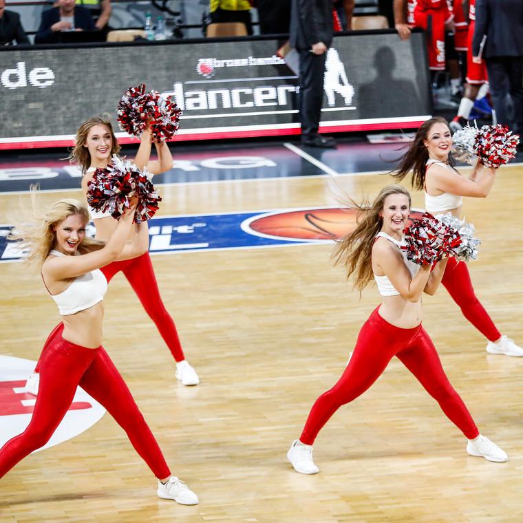 Brose Bamberg<br>Dancers